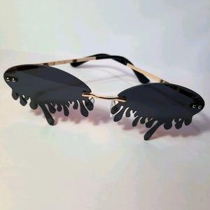 Black Blood Sunnies